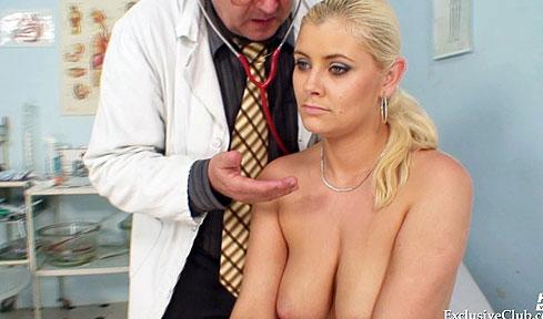 Pregnant gyno speculum exam