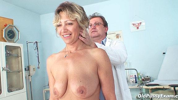 mature vagina exam vids